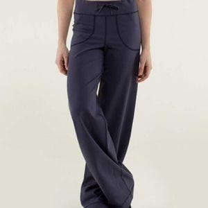 Lululemon Cadet blue still pants, size 8